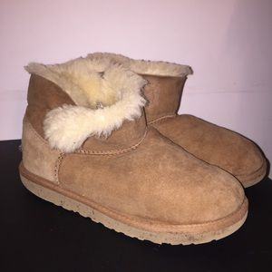 Ugg Bailey Button Tan Ankle Boot | 5